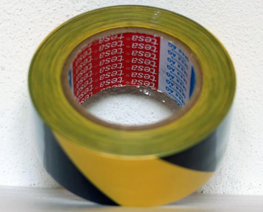 detailní informace o Podlahová lepicí páska TESA síla 180 µm - ŽLUTO/ČERNÉ PRUHY (potiskpasek)